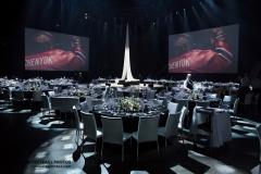 Photo de la glace du Centre Bell du Canadien de Montréal aménagée avec des tables et des écrans géants de haute qualitées.