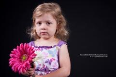 enfant-fleur-rose