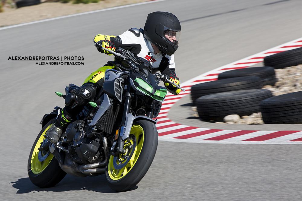 Yamaha_FZ09_1000x667.jpg